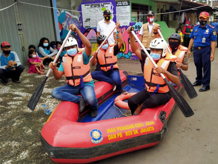 Joint Personnel Participate in Flood Handling Simulation Carried Out in Lubang Buaya