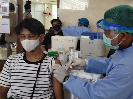 500 Warga Dapat Layanan Vaksin di Masjid Al Fattah Jatinegara