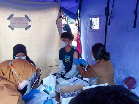 200 Warga Ditargetkan Divaksin di Puskesmas Kelurahan Lubang Buaya
