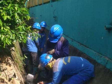 Channel Dredging Work on Jl. Galur Sari VIII Touches 95 Percent
