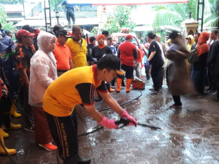 Disinfectant Spraying Conducted in Pegangsaan Dua