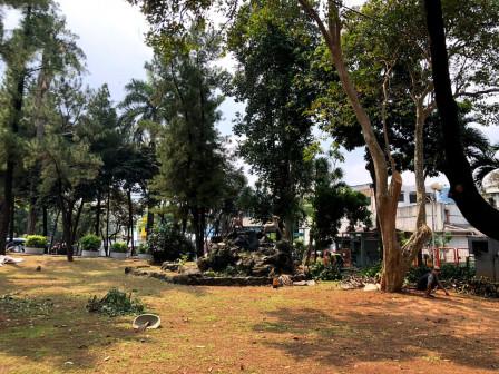 Distamhut Tata dan Refungsi Taman Martha Tiahahu