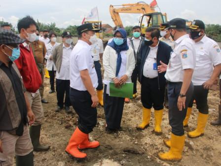 Wagub Ariza Tinjau Kesiapan Lahan Pemakaman Baru untuk Jenazah COVID-19