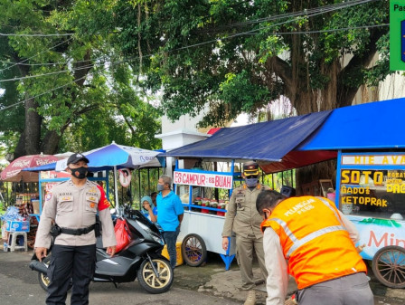 Long Weekend Holiday, 39 PSBB Violators Netted in South Jakarta
