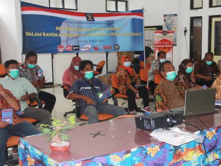 Warga Kelurahan Pulau Panggang Mendapatkan Penyuluhan Hukum Secara Virtual