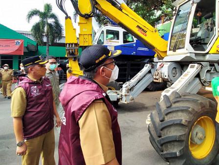 Dinas LH DKI Siapkan Jalur Khusus Pembuangan Sampah Banjir