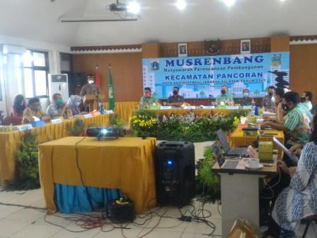 Pembuatan Saluran Air dan Turap Jadi Prioritas Usulan Musrenbang Kecamatan Pancoran