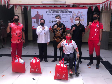 Hundreds Athletes in Jakarta Receive Assistance from APPI and Social Ministry