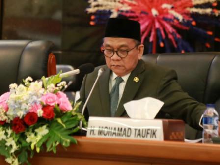 DPRD Terima Jawaban Gubernur Atas Tiga Raperda