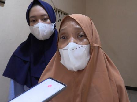 Desy Menangis Haru Rumahnya Direhab Baznas Bazis Jaktim