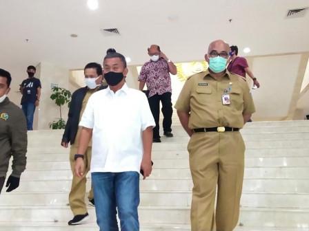 Ketua Dewan Inspeksi Langsung Proses Sterilisasi Gedung DPRD DKI