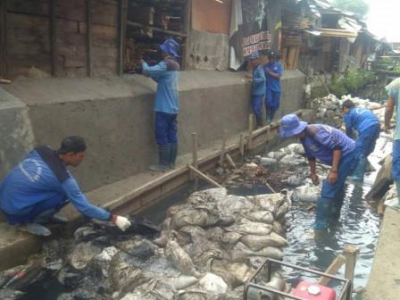 Pembangunan Turap PHB Poncol Sudah 75 Persen
