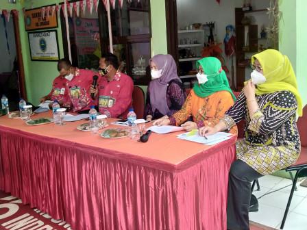 Kelurahan Ciracas Wakili Jaktim Lomba Gerakan Keluarga Sehat Tingkat DKI