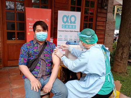 150 Warga Mendapatkan Layanan Vaksin Mobil Keliling di Kafe Lanang Telu Bambu Apus