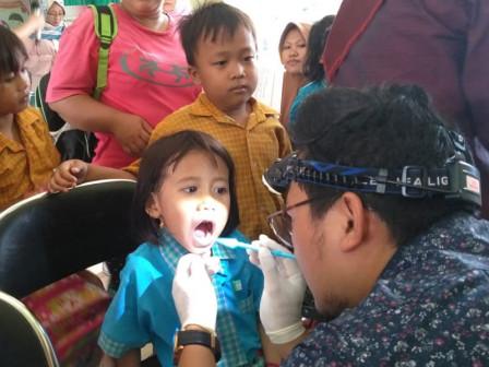 Free Dental Checkup Held at Harapan Mulia RPTRA