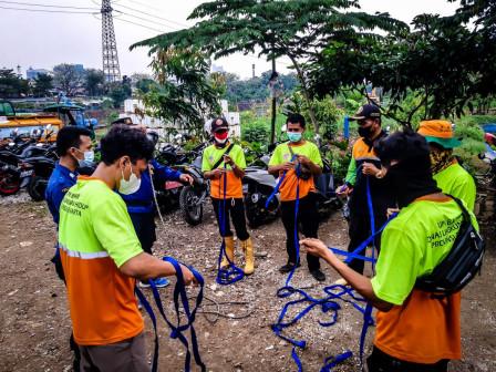 Dinas LH DKI Siapkan 30 PJLP Terlatih Tangani Sampah di Medan Tersulit
