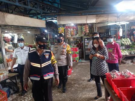 10 PSBB Violators at Lokbin Munjul Market Sanctioned