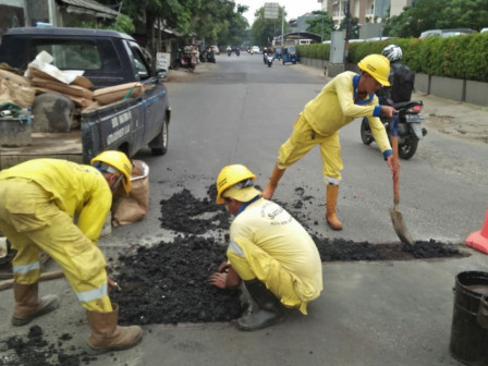 Central Jakarta Bina Marga Repairs 246 Points of Damaged Roads in May 2020