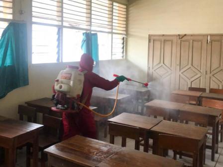 20 Lokasi di Jaktim Disemprot Disinfektan
