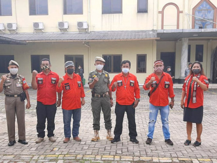 30 Ciracas Satpol PP Deployed to Help Securing Churches on Good Friday