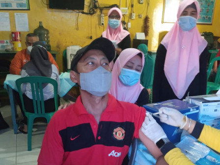 Delapan RW di Kelurahan Kalibaru Jadi Sasaran Vaksinasi COVID-19
