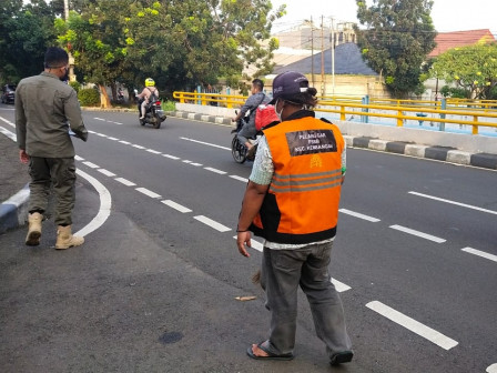 Social Sanctions Imposed for PSBB Violators in West Jakarta