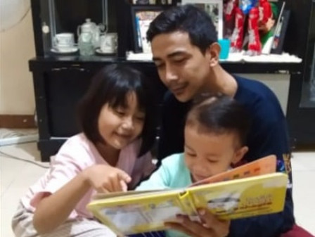 South Jakarta Pusip Distributes 500 Reading Books