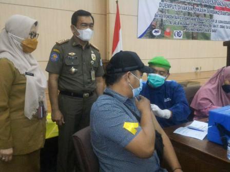 Vaksinasi Jakarta Barat Capai 77,15 Persen