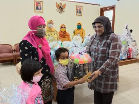 6.282 Anak Pra Sejahtera Terima Donasi Mainan