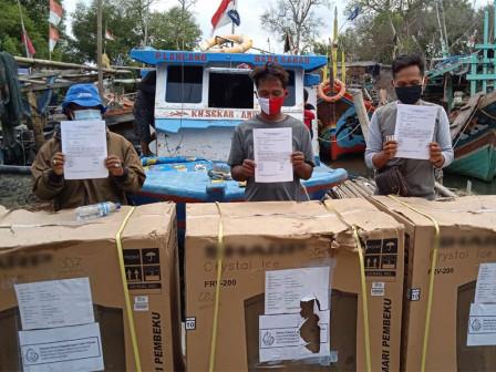 Sudin KPKP Kepulauan Seribu Distribusikan Bantuan Sarana Produksi Usaha Nelayan