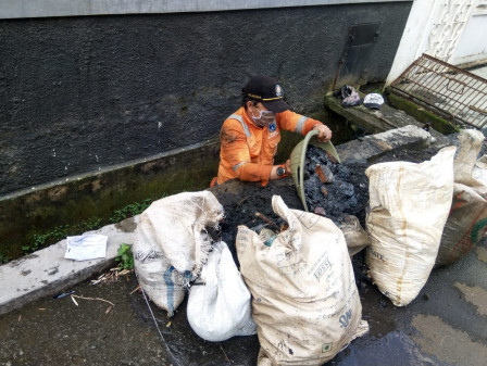 Clogged Drains on Jalan Cilandak Bawah Dredged