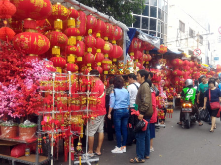 Ahead of Chinese New Year, Glodok Starts to Get Crowded with Merchants