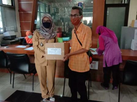 87,376 Cloth Masks Distributed to Kebon Baru Urban Village