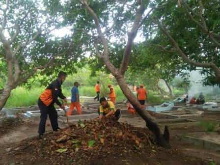Sambut Datangnya Bulan Suci Ramadhan Kelurahan Pulau Kelapa Gelar Kerja Bakti