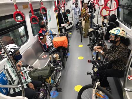LRT Jakarta Fasilitasi Mobilitas Pesepeda