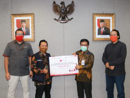 Bank DKI Raises Donation Program to Help Natural Disaster Victims in Indonesia