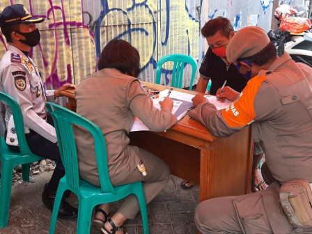 Sebanyak 25 Warga Terjaring Operasi Yustisi Masker di Kelurahan Keramat