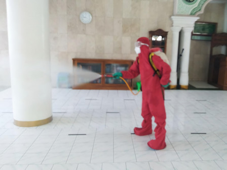 Today, Disinfectant Spraying Carried Out in 50 Locations in East Jakarta