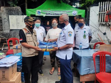 Korban Kebakaran Kebon Manggis Dapat Bantuan Sandang