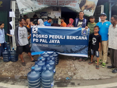 600 Gallons of Mineral Water Distributed to Duri Kosambi