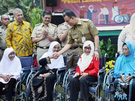 Anies Wants Elders to Be Facilitated