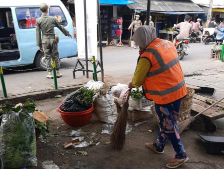 Satpol PP Tanjung Priok Tindak 25 Warga Tak Pakai Masker