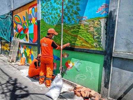 15 RW di Tanah Sereal di Buat Mural Jakarta Kota Kolaborasi