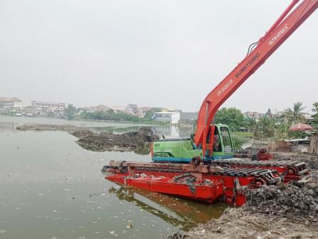 Normalisasi Waduk Kesatriaan Cilincing Memasuki Tahap Pembuatan Dam
