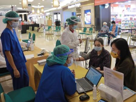 64 Mal di Jakarta Sediakan Sentra Vaksinasi Mini