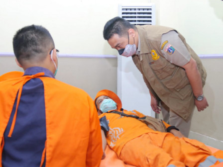 Supporting Social Actions, Ariza Visits Blood Donation Event in Kebon Jeruk