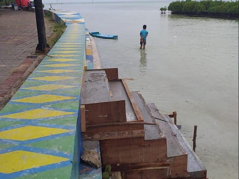 Pengecoran Tangga Tanggul di Pulau Pramuka