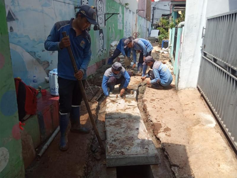 Saluran-Air-di-Jl-Kedondong-09.jpg