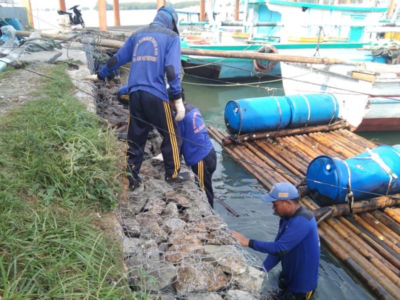 Pemasangan Kawat Bronjong Pulau Lancang Kecamatan Kep. Seribu selatan
