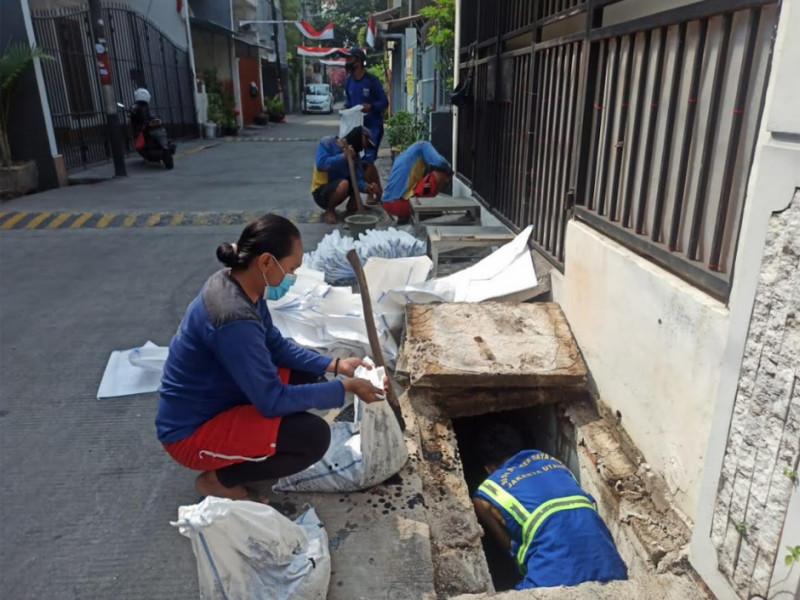 Pengurasan Saluran Jl.Pademangan Timur 2 Jakarta Utara